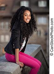 teenage, młody, amerykanka, afrykanin, portret, dziewczyna, szczęśliwy