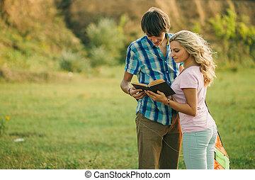 teenage para, szczęśliwy