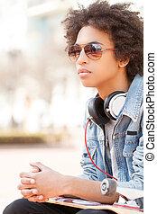 teenager., アフリカの家系, ティーネージャー, モデル, 屋外で, そして, 保有物, スケート