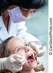 teeth., zahnarzt, kinder, weibliche , arbeitende