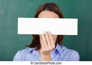tegen, papier, chalkboard, vasthouden, leeg, leraar