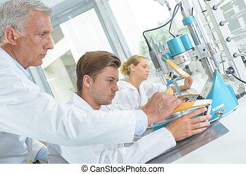 tekniker, in, laboratorium