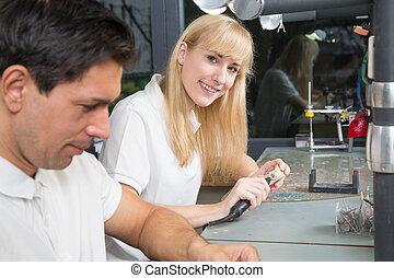 tekniker, tand arbete, le