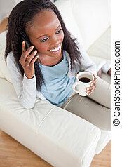 teléfono, café, mujer, teniendo, taza