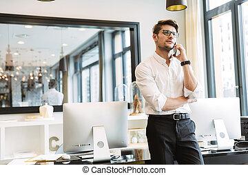 teléfono celular, imagen, trabajando, hombre, mientras,...