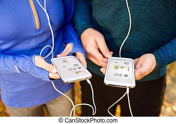 teléfonos, pareja, corriente, unrecognizable, audífonos,...