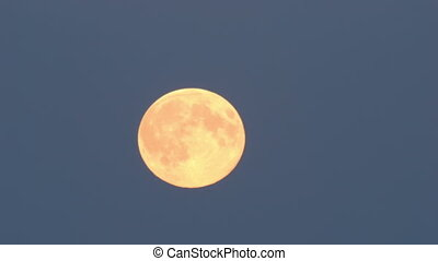 Tele shot of the supermoon - Time lapse tele shot of the...
