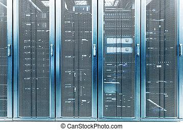 telecommunicatie, kelner, in, gegevensmidden