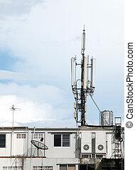 telecoms, aatenna, su, tetto, cima, di, costruzione