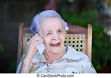 telefon, boldog, beszél, nagyanyó