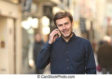 telefon, gyalogló, utca, ember, hívás
