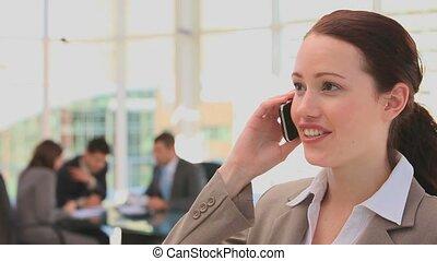 telefon, handlowy obwołują, kobieta, zrobienie