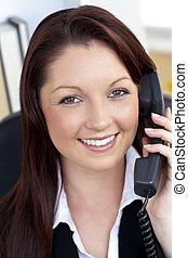 telefon, uśmiechanie się, sekretarka, odpowiadając