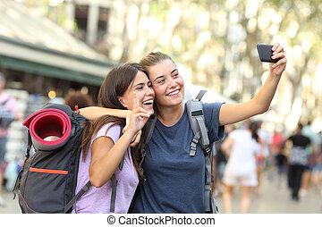 telefone, levando, amigos, selfie, mochileiro