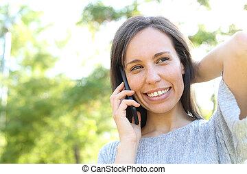 telefone mulher, parque, chamadas, feliz