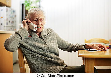 telefone, mulher sênior, falando