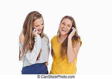 telefone, rir, mulheres, dois, jovem