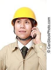 telefone, trabalhador construção, jovem, esperto
