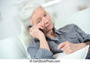 telefono, donna senior