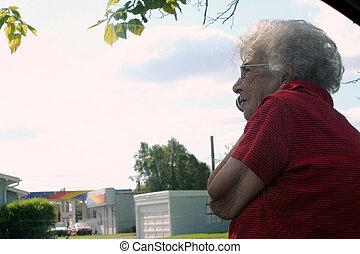 telefoon, oude vrouw, buitenshuis