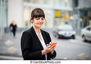 telefoon, oude vrouw, straat, zakelijk