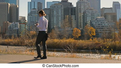 telefoon, stad, wandelende, bovenkant, beweeglijk, aanzicht,...
