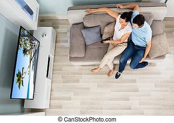 televisión, ángulo, mirar, pareja, vista alta