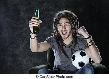 televisie het letten op, voetbalventilator, voetbal, of