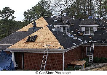 telhado, homens, casa