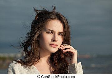 teljes, gyönyörű woman, romantikus, fiatal, feláll, portrait., női, szabadban, becsuk, arc