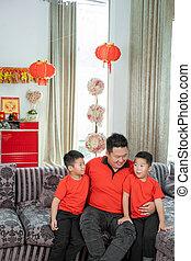 tema, padre, llevando, sentado, hijo, sonriente, dos, ropa, ...