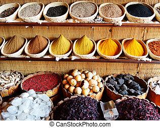 temperos, em, árabe, loja, incluindo, turmeric, e, pó caril