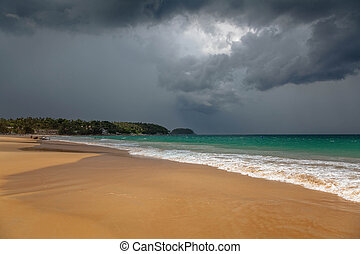 tempesta tropicale