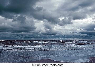 tempestoso, grande, rottura, cielo, oceano, scuro, riva, onde