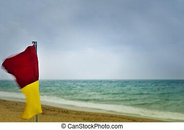 tempestuoso, amarillo, bandera, advertencia, playa, rojo