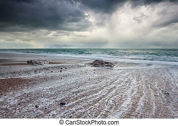 tempestuoso, sobre, céu, oceânicos, escuro, atlântico, praia