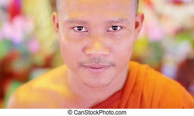 temple bouddhiste, moine
