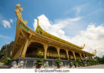 Dai Nam Temples and Safari park in Vietnam. Tourist, Cultural and Historical Zone
