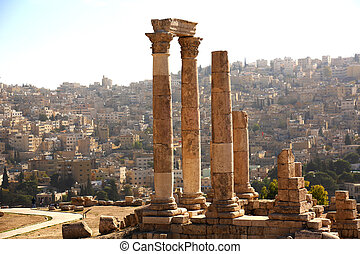 Temple of Hercules Amman - the Temple of Hercules with Roman...