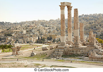 Temple of Hercules in Amman - Temple of hercules...