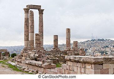 Temple of Hercules in antique citadel in Amman, Jordan