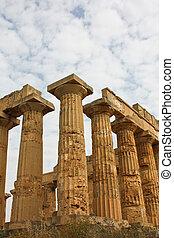 Temple of Magna Grecia, Valle dei Templi, Sicilia, Italia
