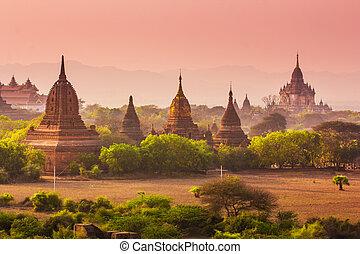 Bagan, Myanmar - Temples in Bagan, Myanmar