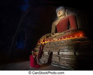 templo, bagan, dentro, monge, meditação, mini