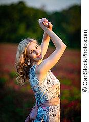 tempo, vestido, campo sol, trevo, cor-de-rosa, jovem, vermelho, mulher