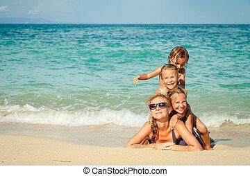 temps famille, plage, jour, mensonge, heureux