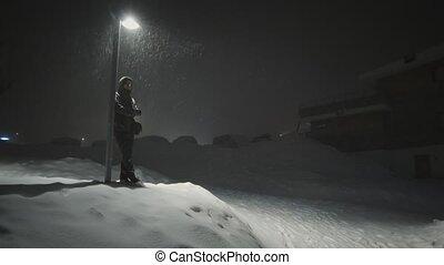temps, homme, tempête neige, nuit