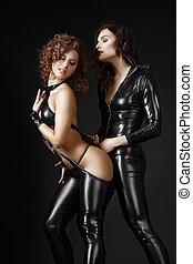 temptation., &, lány, két, flirting., jelmezbe öltöztet,...