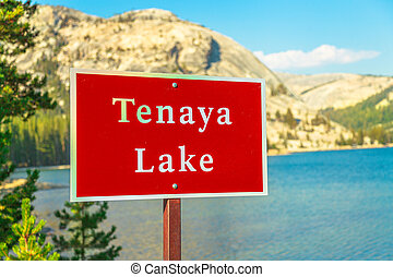 Tenaya lake Yosemite National Park