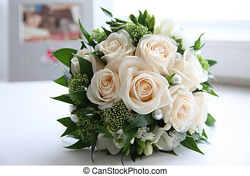 Tender roses - Close-up of rose bouquet decorated with ...